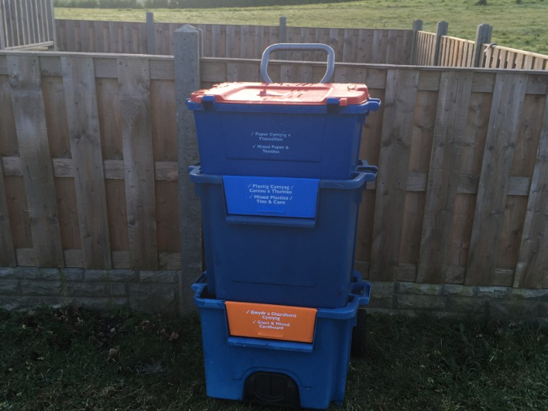 Recycling stacking boxes