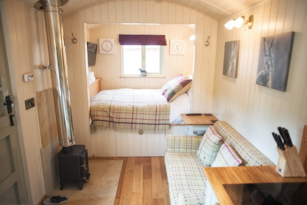 brosterfield berties retreat shepherd hut