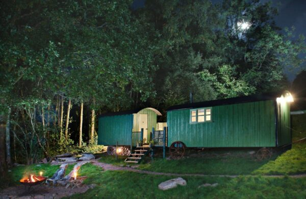 annes hut double shepherds hut in the wye valley for a cosy winter holiday uk